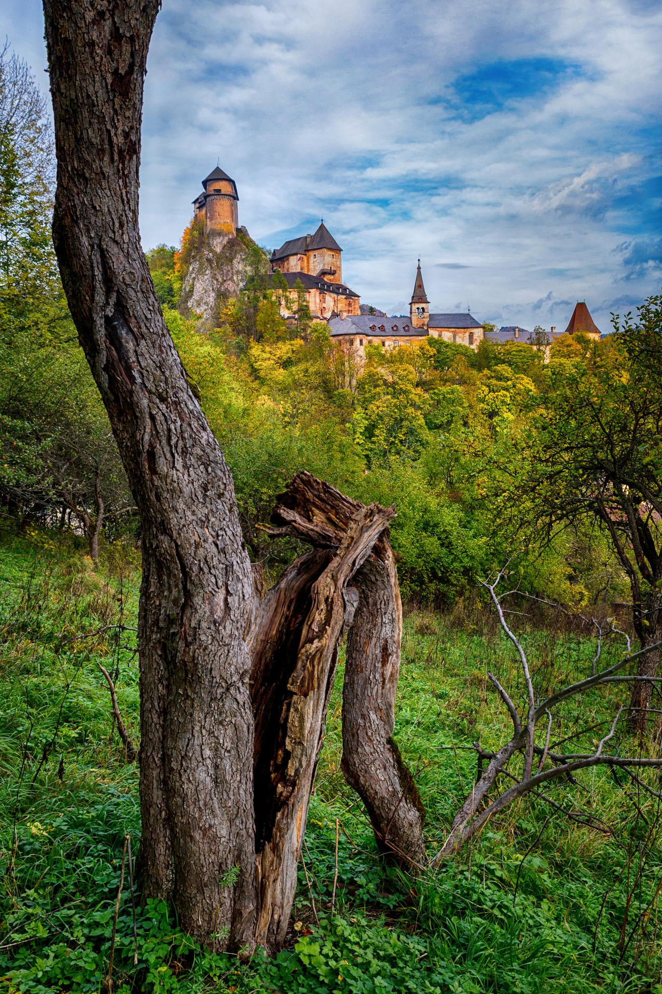 Október - Oravský hrad