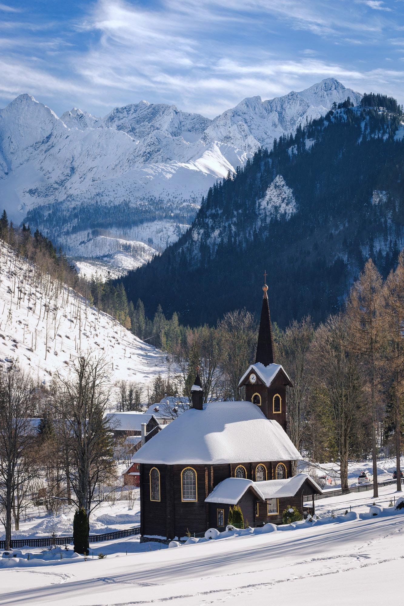 Februrár - Drevený kostolík v Tatranskej Javorine