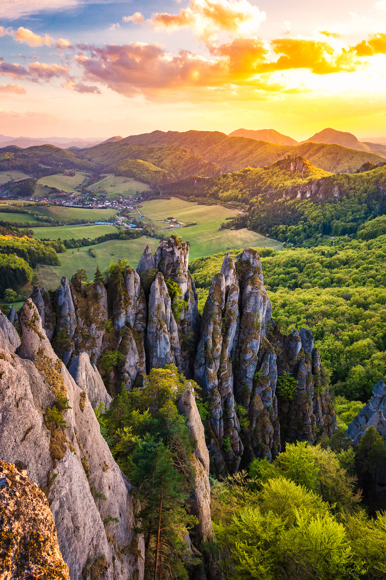 Júl - Západ slnka nad Súľovskými skalami