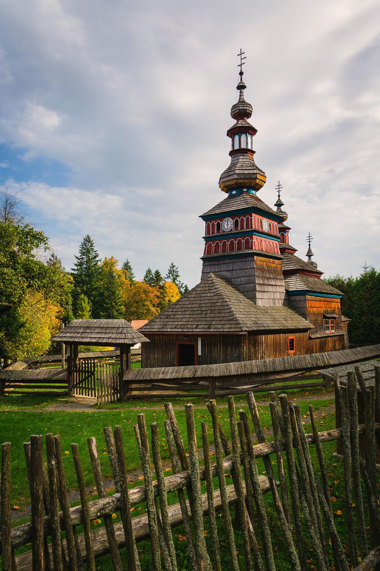 September - Dreveny kostolík z Michalovej